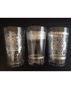 Fyrfadsstage i glas H 11 cm - Ø6,2 cm med sølv print - ass.